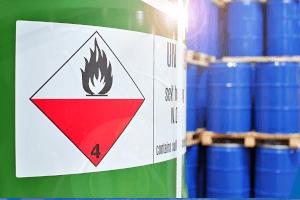 Gefahrstoffe lagern und transportieren