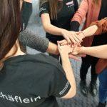 Auszubildende bei Schäflein lernen, dass soziales Engagement wichtig ist.